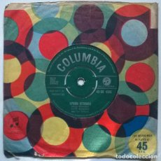 Discos de vinilo: CLIFF RICHARD WITH THE DRIFFTERS. LIVING DOLL/ APRON STRINGS. COLUMBIA UK 1959 SINGLE. Lote 222085488