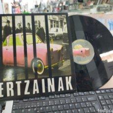 Discos de vinilo: HERTZAINAK MAXI AITORMENA 1989. Lote 222145900