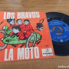 Discos de vinilo: LOS BRAVOS / LA MOTO / LA PRIMERA AMISTAD. Lote 222201145