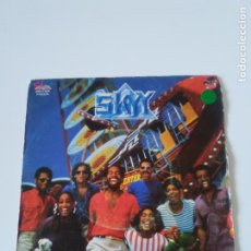 Discos de vinilo: SKYY MOVIN' VIOLATION / GET INTO THE BEAT ( 1982 SALSOUL ESPAÑA ). Lote 222217093