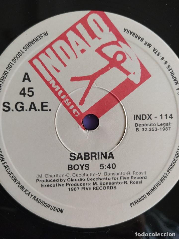 Discos de vinilo: MAXI. SABRINA. BOYS. SPAIN AÑO 1987. SELLO BLANCO Y NEGRO . INDALO INDX 114. - Foto 4 - 222286006