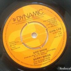 Discos de vinilo: BARRY BIGGS - SIDE SHOW / I'LL BE BACK - SINGLE UK DYNAMIC 1976 // BYRON LEE. Lote 222445852