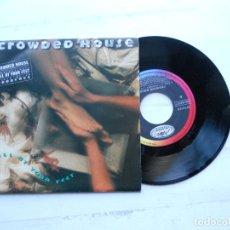 Discos de vinilo: CROWDED HOUSE ?– FALL AT YOUR FEET SINGLE 1991 ESPAÑOL NM/NM COMO NUEVO. Lote 222471037