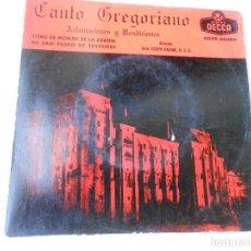 Discos de vinilo: CANTO GREGORIANO - MONJES ABADIA SAN PEDRO DE SOLESMES -, EP, CHRSTUS VINCIT + 1, AÑO 1960. Lote 222521917