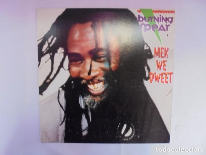 Discos de vinilo: BURNING SPEAR. MEK WE DWEET. LP VINILO. DISCOGRAFIA ISLAND RECORDS MANGO 1980. - Foto 2 - 222548693