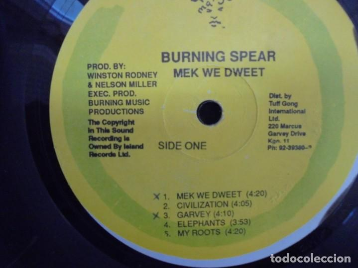 Discos de vinilo: BURNING SPEAR. MEK WE DWEET. LP VINILO. DISCOGRAFIA ISLAND RECORDS MANGO 1980. - Foto 4 - 222548693