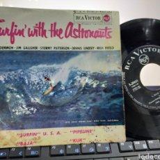 Discos de vinilo: SURFIN' WITH THE ASTRONAUTS EP 1963 ESCUCHADO. Lote 222597681