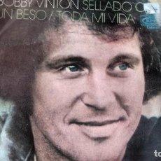 Discos de vinilo: SINGLE ( VINILO) DE BOBBY VINTON AÑOS 70. Lote 222625621