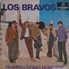 Discos de vinilo: LOS BRAVOS - TRAPPED/GOING NOWHERE. Lote 222630148