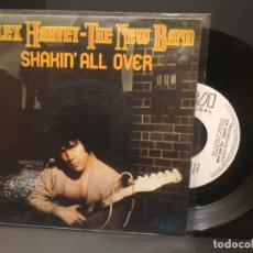 Discos de vinilo: ALEX HARVEY - THE NEW BAND SHAKIN ALL OVER SINGLE SPAIN 1980 PDELUXE. Lote 222703645