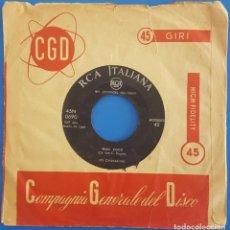 Discos de vinilo: SINGLE / LES CHAKACHAS / ESO ES EL AMOR - BEAU COCO / RCA 45N 0690 / 1958. Lote 222720862