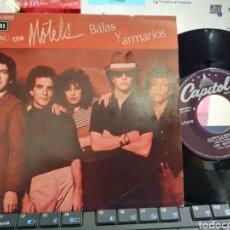 Discos de vinilo: THE MOTELS SINGLE CLOSETS & BULLETS BALAS Y ARMARIOS ESPAÑA 1980. Lote 222794910