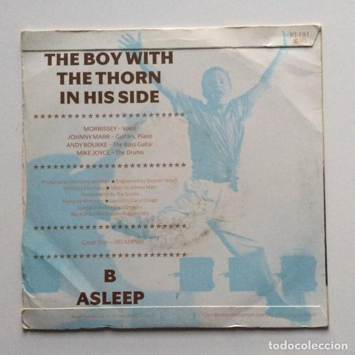 Discos de vinilo: The Smiths – The Boy With The Thorn In His Side / Asleep UK 1985 - Foto 2 - 222834248