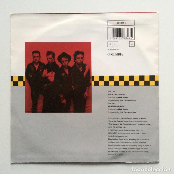 Discos de vinilo: The Clash – Rock The Casbah / Mustapha Dance UK 1991 - Foto 2 - 222836112