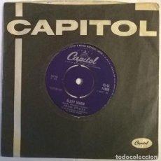 Discos de vinilo: FRANK SINATRA. MR. SUCCESS/ SLEEP WARM. CAPITOL, UK 1958 SINGLE. Lote 222841578