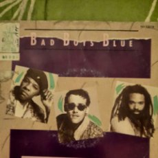 Discos de vinilo: BADAJOZ BOYS BLUE. DON'T WALK AWAY SUZANNE. SINGLE.. Lote 222852202