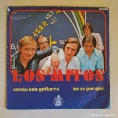 Discos de vinilo: LOS MITOS - SUENA UNA GUITARRA / NO SE POR QUE - SINGLE HISPAVOX DEL AÑO 1970 - BUEN ESTADO. Lote 223430947