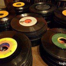 Discos de vinilo: 370 SINGLES SIN FUNDA PROCEDENTES DE MAQUINAS DE DISCOS - TODOS LOS ESTILOS MUSICALES. Lote 223894203