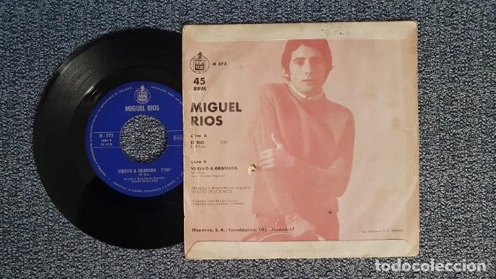 Discos de vinilo: Miguel Rios - El río / Vuelvo a Granada. editado por Hispavox. año 1.968 - Foto 2 - 224531161