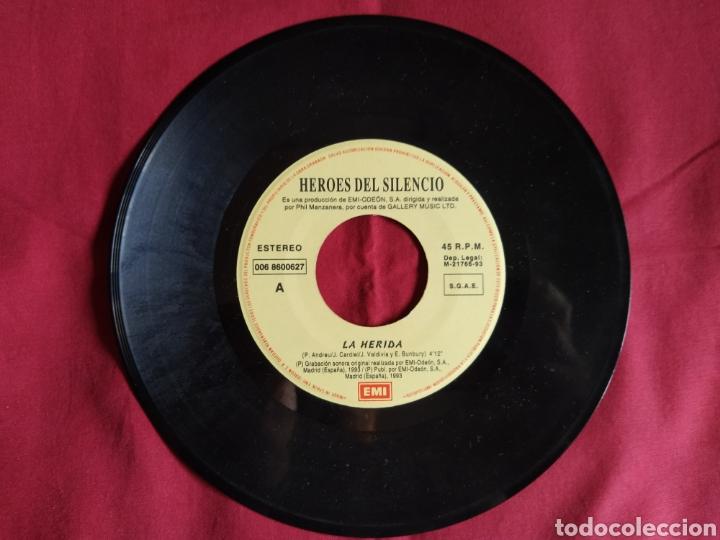Discos de vinilo: Héroes del silencio / La Herida / Single 1 edición / Bunbury - Foto 4 - 224726846