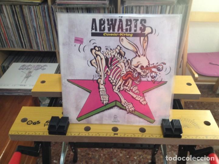 Discos de vinilo: ABWÄRTS - COMIC-KRIEG (PUNK, BLUES ROCK) / LP MADE IN GERMANY 1991. NM-M / VINILO NUEVO SIN USAR - Foto 2 - 224757320