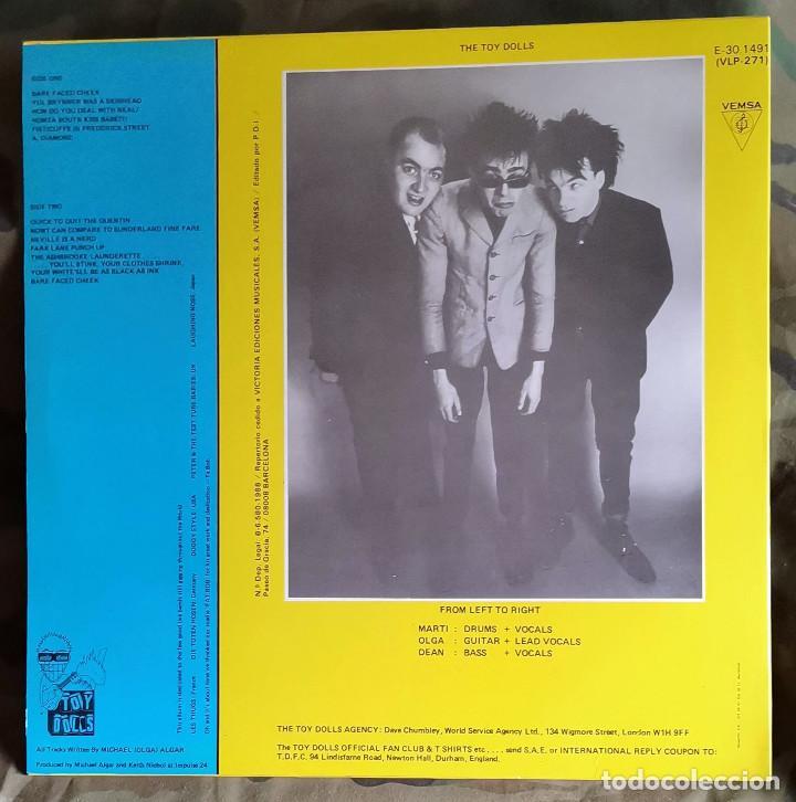 Discos de vinilo: Toy Dolls – Bare Faced Cheek LP, Spain 1987 Punk - Foto 2 - 224874670
