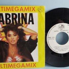 Discos de vinilo: ANTIGUO DISCO VINILO PEQUEÑO SABRINA MIX. Lote 225049660