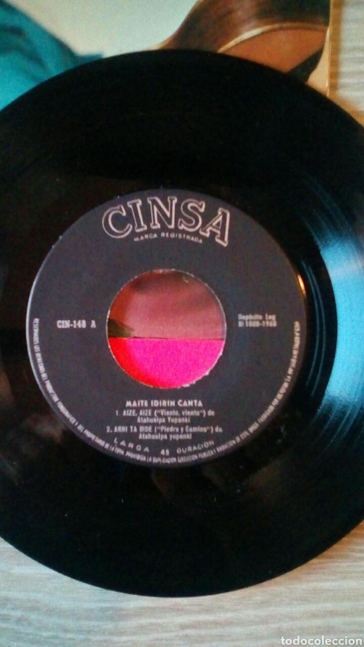 Discos de vinilo: Maite Idirin - Canciones de Atahualpa Yupanki Euskaraz, Cinsa CIN-148, 1968. Spain. - Foto 4 - 225244680