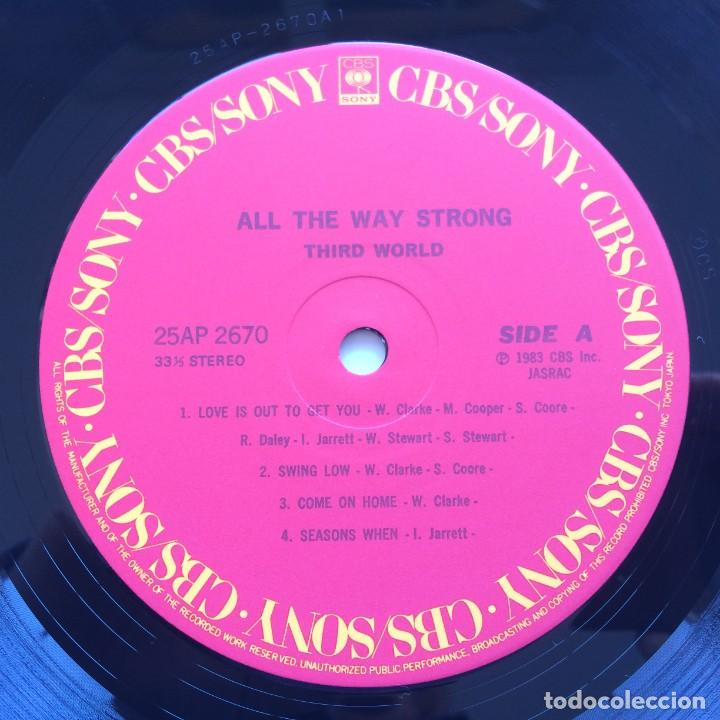 Discos de vinilo: Third World ‎– All The Way Strong Japan,1983 CBS/Sony - Foto 5 - 225388645