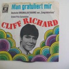Disques de vinyle: CLIFF RICHARD. MAN GRATULIERT MIR. GRAND PRIX EUROVISION. EMY C 23776 . SINGLE. Lote 225894426