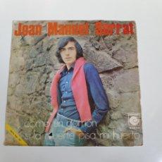 Discos de vinilo: JOAN MANUEL SERRAT - COMO UN GORRION / SI LA MUERTE PISA MI HUERTO, NOVOLA 1970.. Lote 225991120
