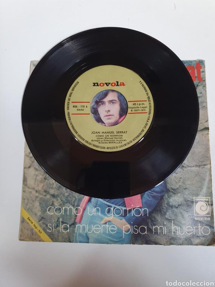 Discos de vinilo: Joan Manuel Serrat - Como Un Gorrion / Si La Muerte Pisa Mi Huerto, Novola 1970. - Foto 3 - 225993328