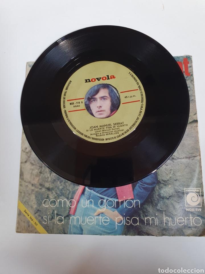 Discos de vinilo: Joan Manuel Serrat - Como Un Gorrion / Si La Muerte Pisa Mi Huerto, Novola 1970. - Foto 4 - 225993328