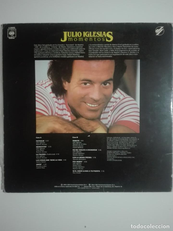 """Discos de vinilo: VINILO 12"""" LP JULIO IGLESIAS MOMENTOS - 1982 - 280g - Foto 4 - 226151015"""