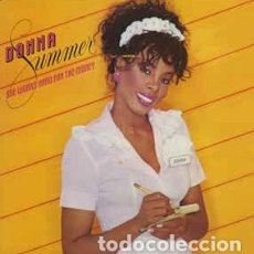 Disques de vinyle: DONNA SUMMER – SHE WORKS HARD FOR THE MONEY. Lote 226300645