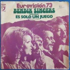 Discos de vinilo: SINGLE / BENDIK SINGERS / IT'S JUST A GAME - MEMORIES OF YOU / DISCOPHON S-5239 / 1973 (EUROVISION). Lote 226415348
