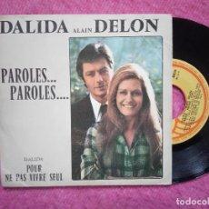 Discos de vinilo: SINGLE DALIDA / ALAIN DELON - PAROLES...PAROLES... - ZIP 30.039/S - PORTUGAL PRESS (VG/VG). Lote 226625045