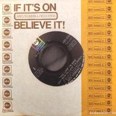 Discos de vinilo: MIKE KENNEDY - THE LIVING I'M DOIN (AIN'T WORTH THE LOVIN' I'M GETTIN). SINGLE EDICIÓN USA. Lote 226787205