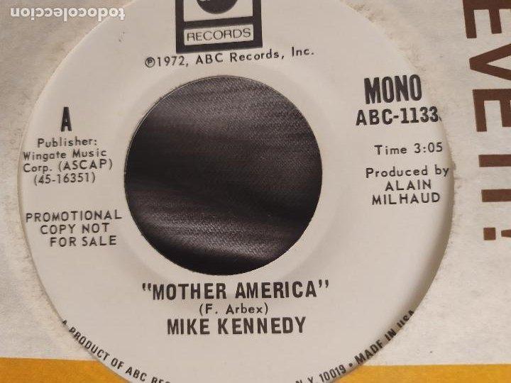 Discos de vinilo: MIKE KENNEDY - MOTHER AMERICA. SINGLE PROMOCIONAL EDICIÓN USA - Foto 2 - 226793605