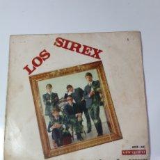 Discos de vinilo: LOS SIREX - OLVIDAME/SOLO EN LA PLAYA/YO GRITO/REPRISE, VERGARA 1966.. Lote 227010220