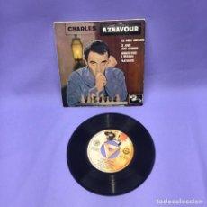 Discos de vinilo: SINGLE -- CHARLES AZNAVOUR -- SAN SEBASTIAN -- VG++. Lote 227018050
