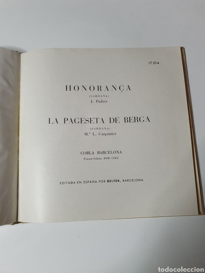 Discos de vinilo: Sardanes, Cobla Barcelona - Honorança / La Pageseta De Berga, Con Libro, Belter 17.014. 33 1/3 RPM. - Foto 2 - 227087610