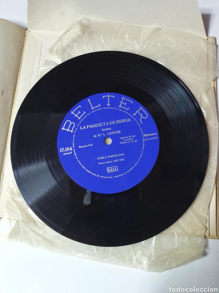 Discos de vinilo: Sardanes, Cobla Barcelona - Honorança / La Pageseta De Berga, Con Libro, Belter 17.014. 33 1/3 RPM. - Foto 7 - 227087610