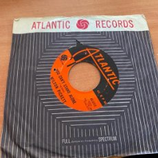 Discos de vinilo: WILSON PICKETT (YOU CAN'T STAND ALONE / SOUL DANCE NUMBER THREE) SINGLE 25-2412 (EPI20). Lote 228313010