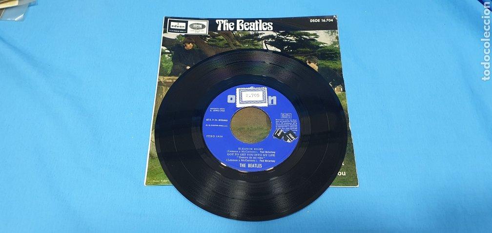 Discos de vinilo: DISCO DE VINILO - THE BEATLES - ELEANOR RIGBY / GOT TO GET YOU INTO MI LIFE - 1966 - Foto 2 - 228435225