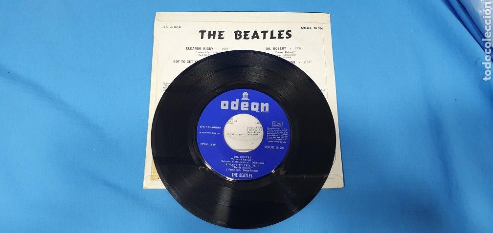 Discos de vinilo: DISCO DE VINILO - THE BEATLES - ELEANOR RIGBY / GOT TO GET YOU INTO MI LIFE - 1966 - Foto 3 - 228435225