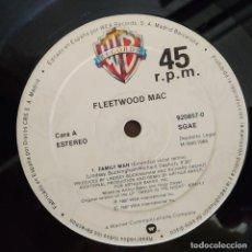 Discos de vinilo: FLEETWOOD MAC, FAMILY MAN, EU 1987, WARNER BROS – 920 857-0 (PORTADA GENÉRICA_VG+). Lote 228445425