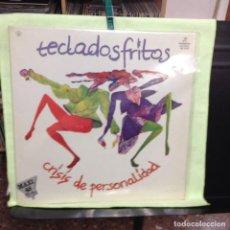 Discos de vinilo: TECLADOS FRITOS - CRISIS DE PERSONALIDAD / RARE MAXISINGLE 12' PROMOCIONAL 1983 COLUMBIA. NM-NM. Lote 228459195
