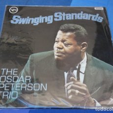 Discos de vinil: LOH3 LP JAZZ UK CIRCA 65 MONO MUY BUEN ESTADO OSCAR PETERSON TRIO SWINGING STANDARDS. Lote 228656370