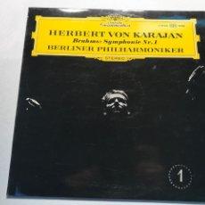 Discos de vinilo: VINILO HERBERT VON KARAJAN BRAHMS SYMPHONY NR1. Lote 230035545